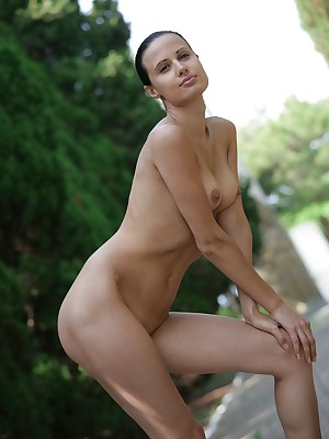 naked-french-girls-pics